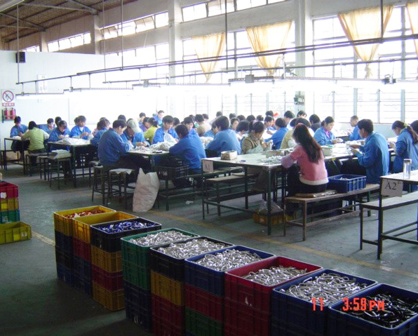 Assembling and packing doming workers